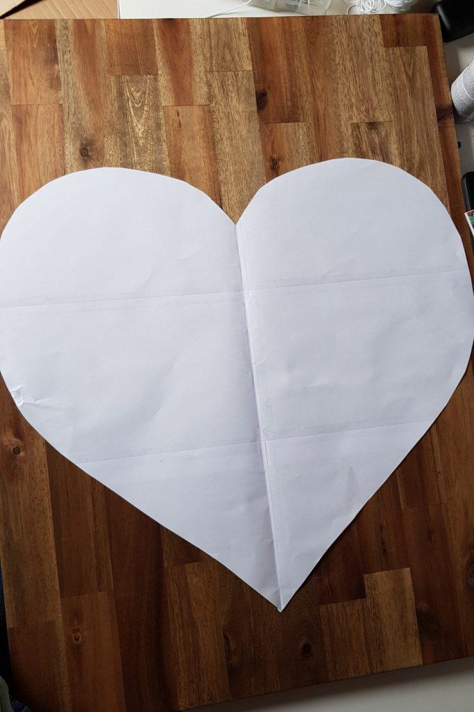 Das Herz auf dem Gästebuch positionieren