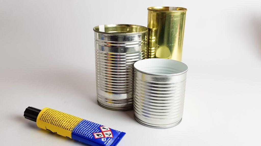 Konservendosen mit Metallkleber
