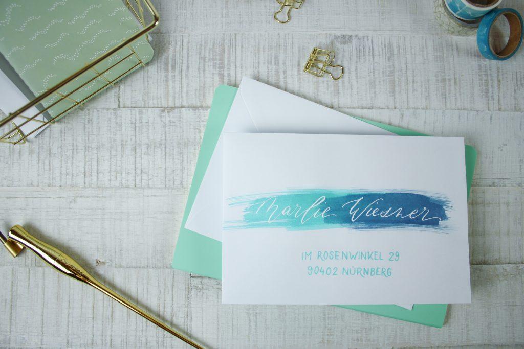 Umschlag beschriften mit Farbe