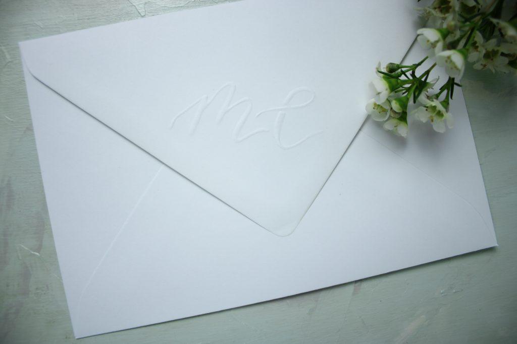 Umschlag mit Prägung als Mail Art